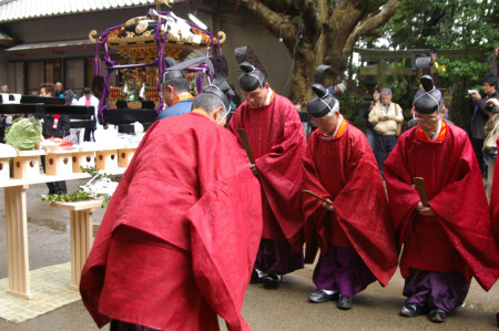 宮司 奥 は 三神 社 の 宮司